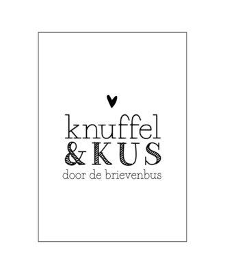 Ansichtkaart Knuffel & kus door de brievenbus