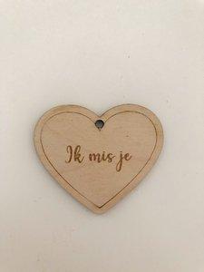 Cadeaulabel hout hartje 'ik mis je'